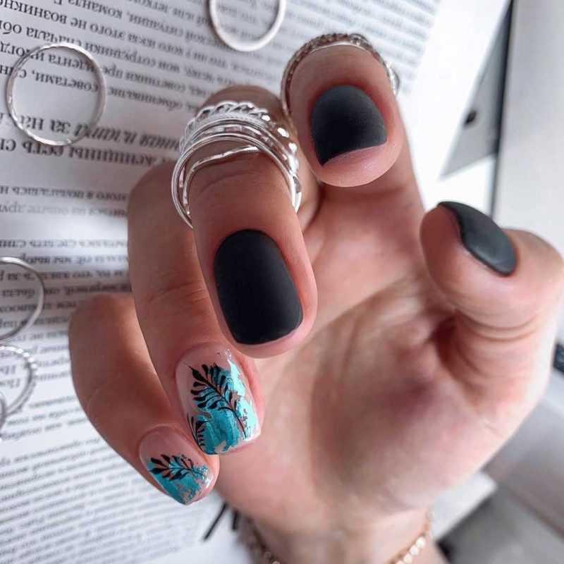 black-nails-125