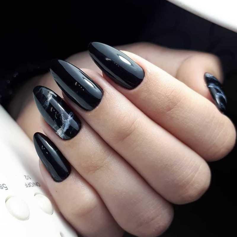 black-nails-147