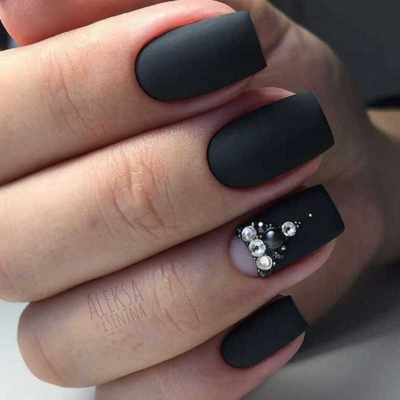 black-nails-48