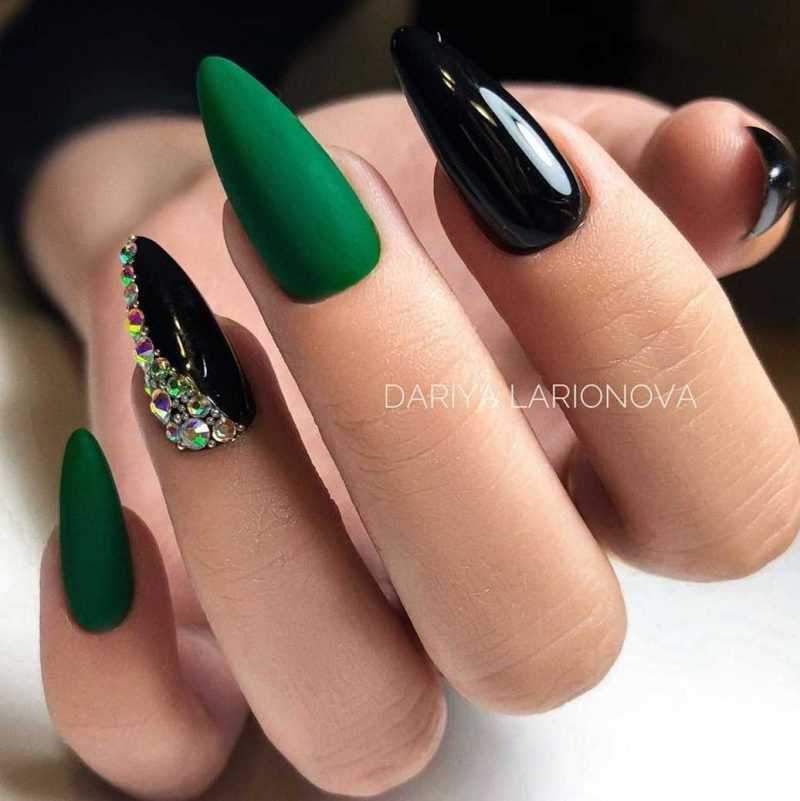 black-nails-108