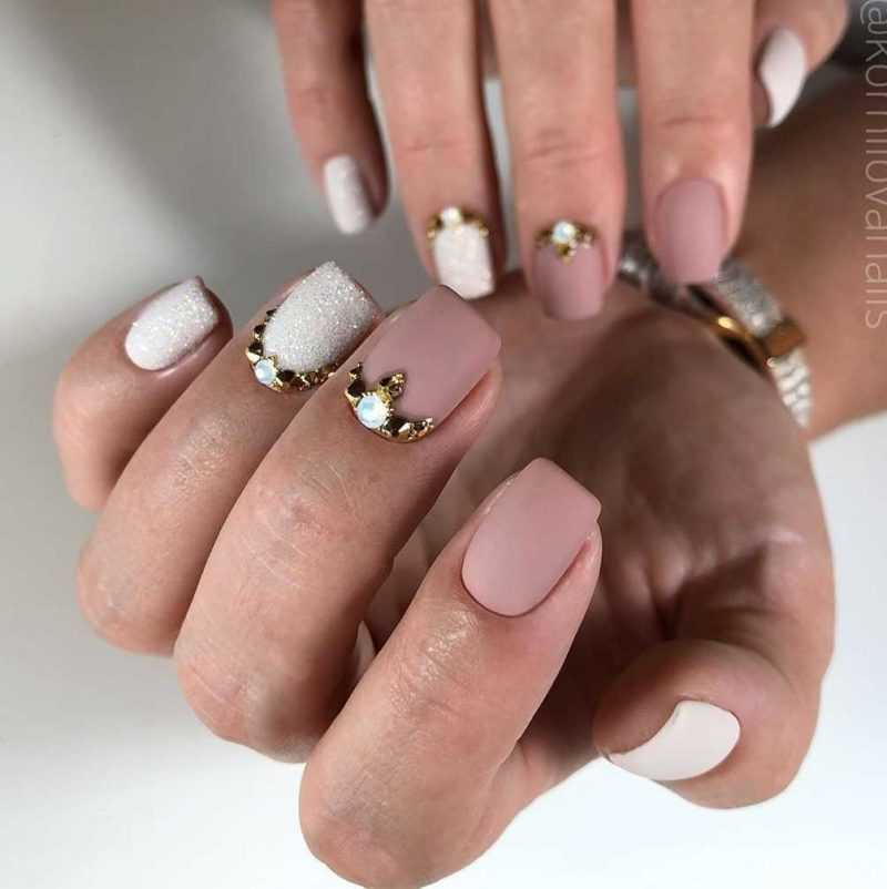 beige-nail-138