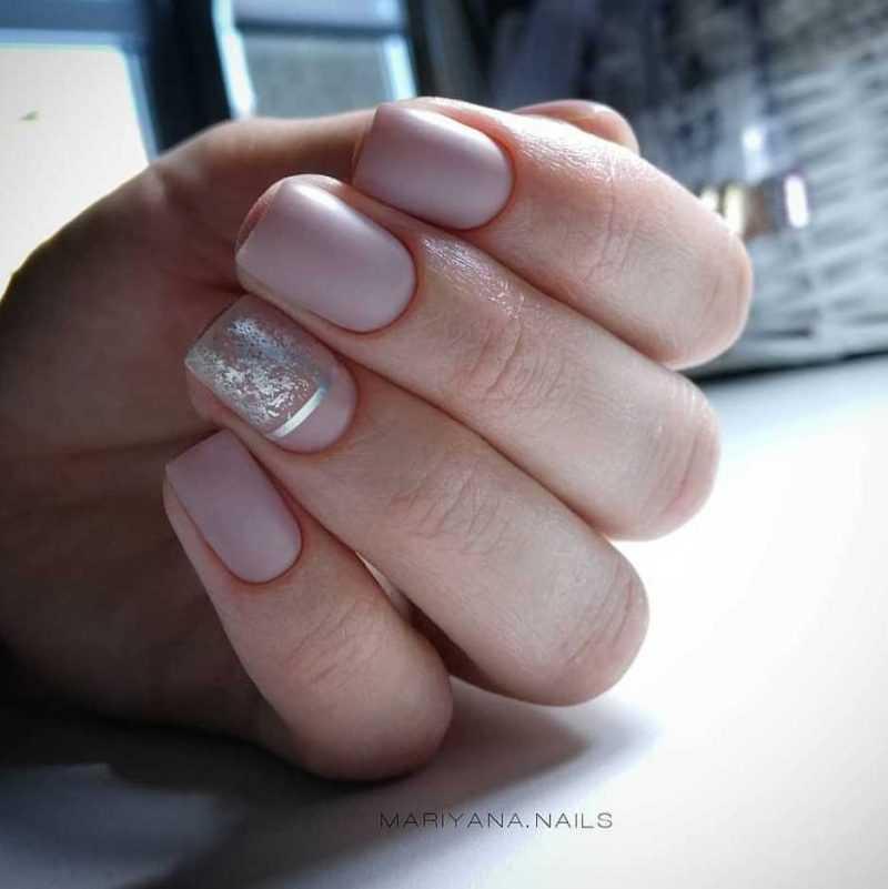 beige-nail-30