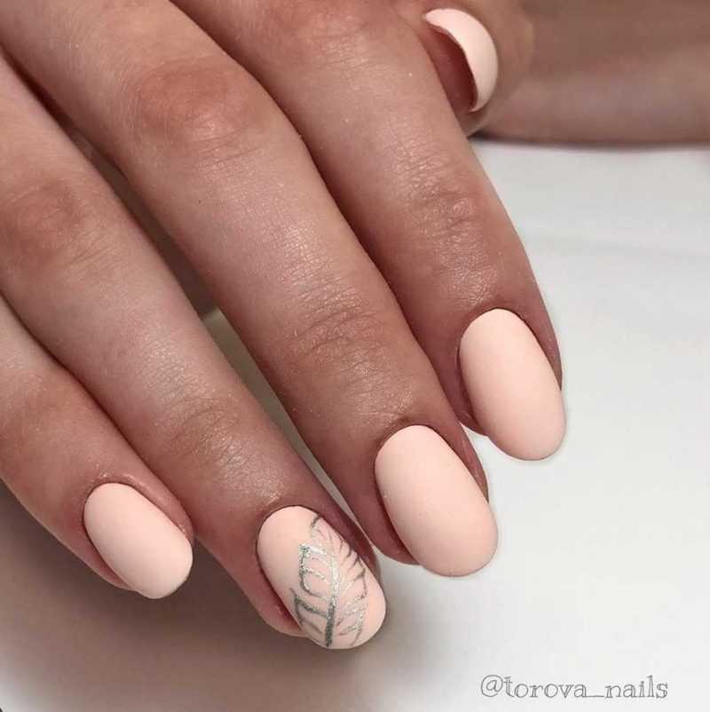 beige-nail-22