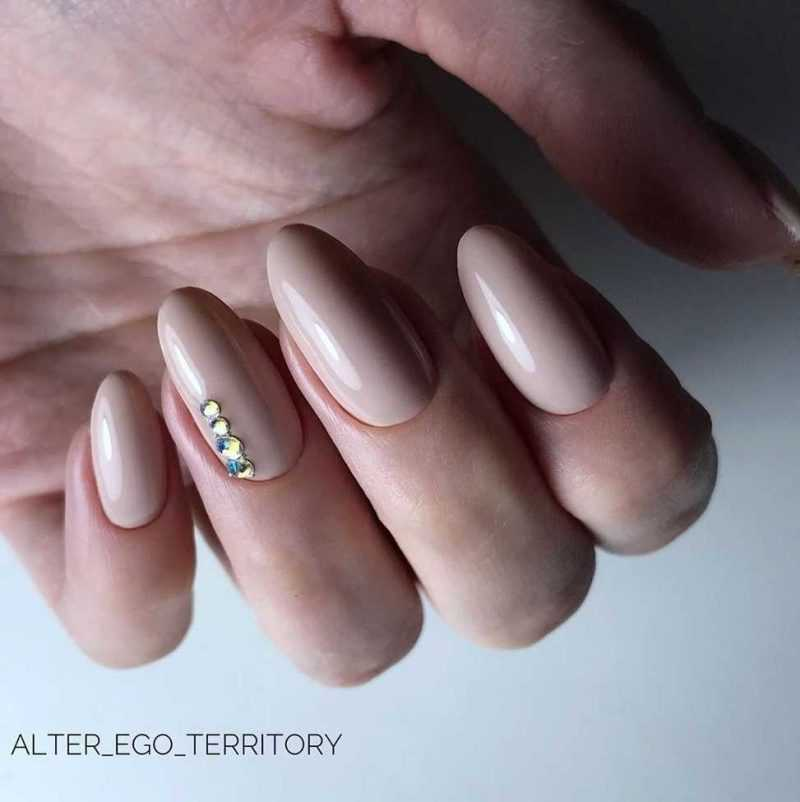 beige-nail-69