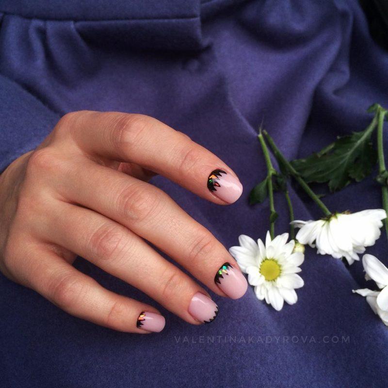 Весенний маникюр на короткие ногти
