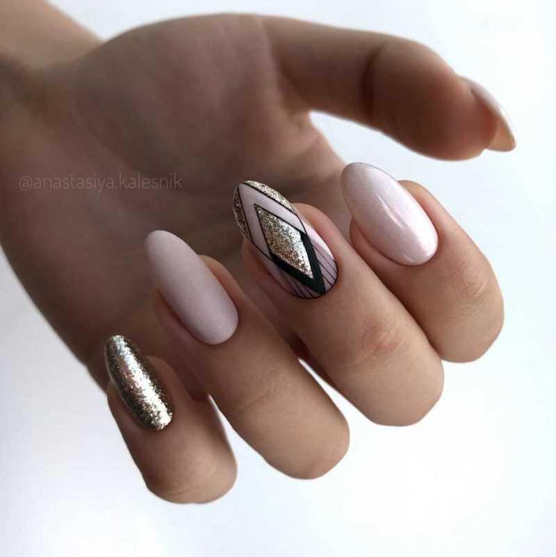 beige-nail-105