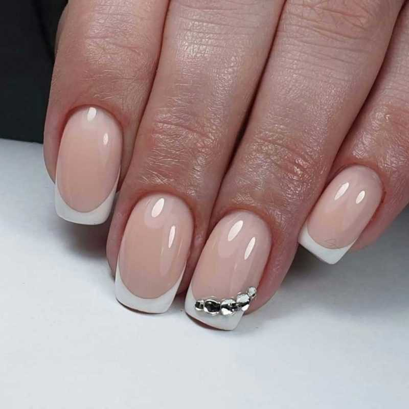 beige-nail-108