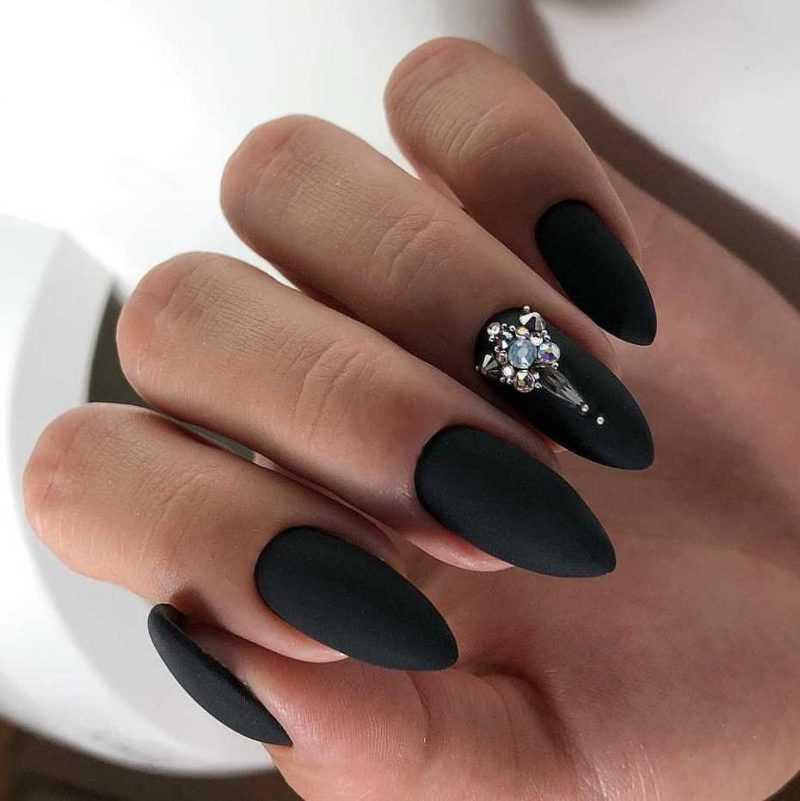 sharp-nail-70