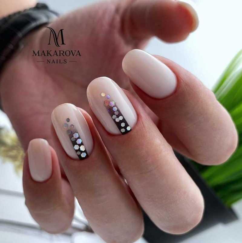 beige-nail-47