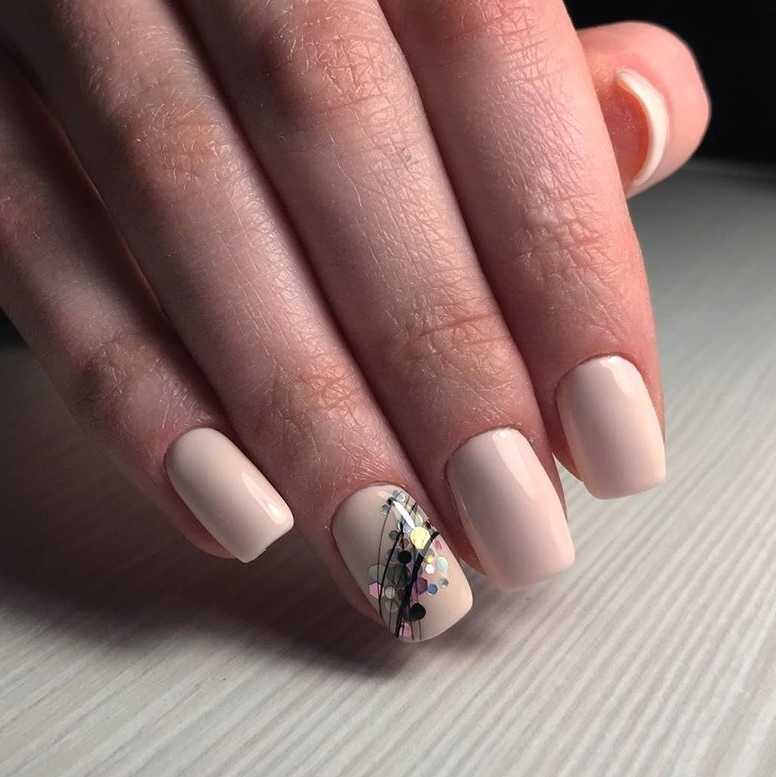 beige-nail-46