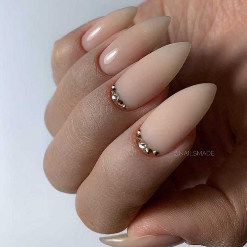 beige-nail-83